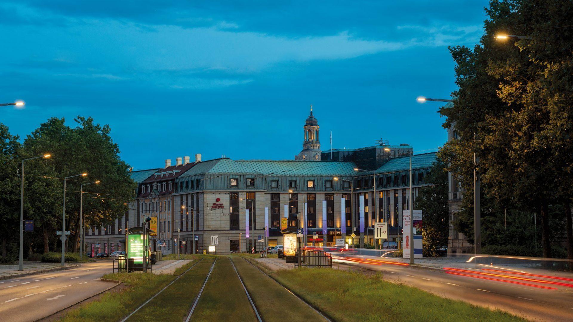 The Westin Bellevue Dresden - Außenaufnahme mit Frauenkirche
