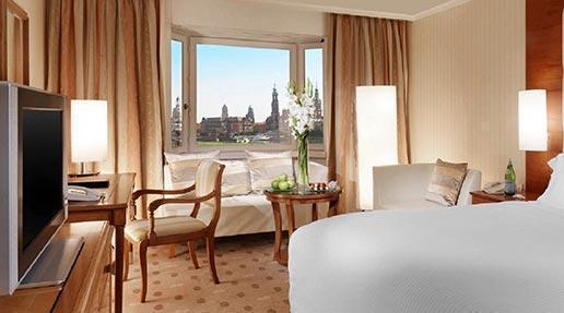 Westin-Bellevue-Dresden-Grand-Deluxe-Room